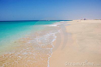 beach-santa-maria-sal-island-cape-verde-9043152
