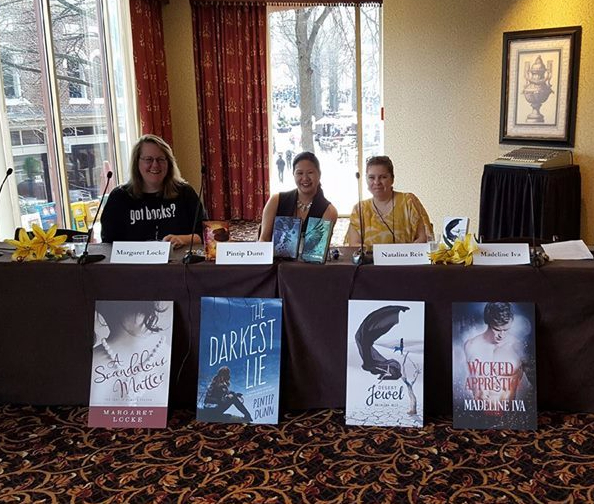 Paranormal Romance Panel 3 authors